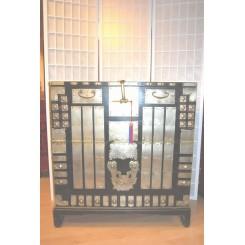 Koreansk gammal byrå (blanket chest)