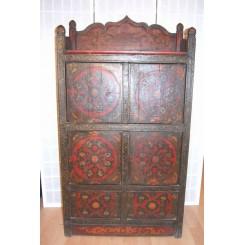 Tibetanskt skåp med altarbord