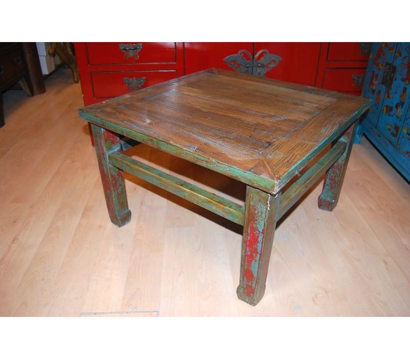 Litet gammalt bord i almträ Gammalt bord i alm
