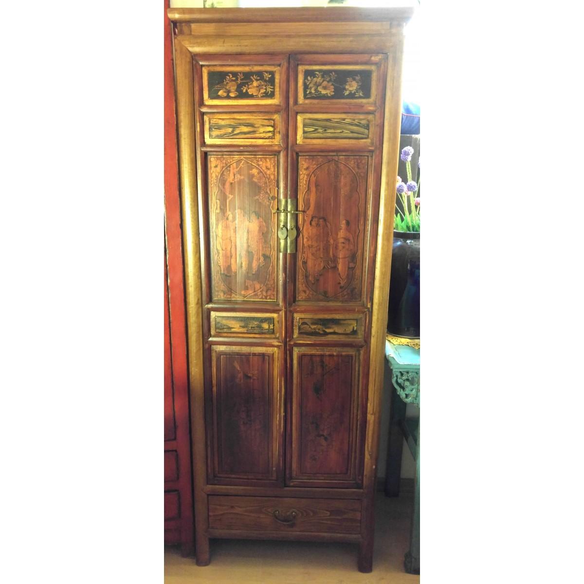 Kinaskåp med gamla dörrar